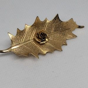 Vintage Gold tone Leaf and Flower Hair Clip